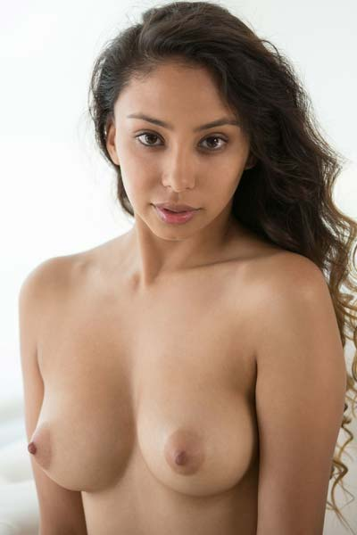 Model Alexis in Lovely and Ready to Fuck